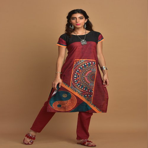 Multi-colour Printed Kurti With Round Neck & Mega Sleeves