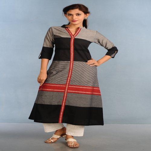 Miraasa  Black Cotton Casual Kurti In Hand Loom Linan Pattern