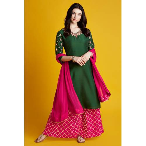Aryahi- Emerald Green Kurta With Foil Embroidered 3/4th Sleeves And Pink  Foil Embroidered Palazzo With Dupatta