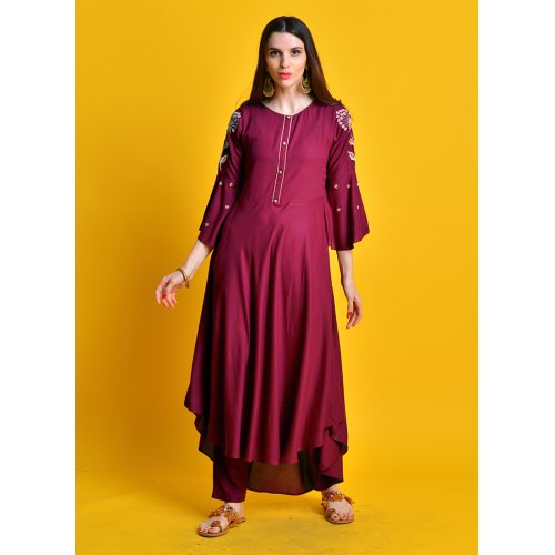 Leyla - Maroon Kurta With Zari Embroiered Sleeves Paired With Straight Pants