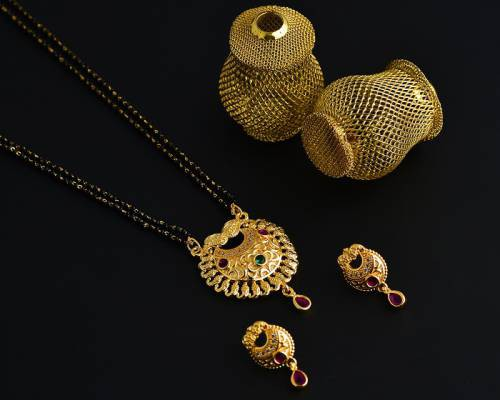 Gold Plated Alloy Metal Traditional Kundan Mangalsutra With Earrings
