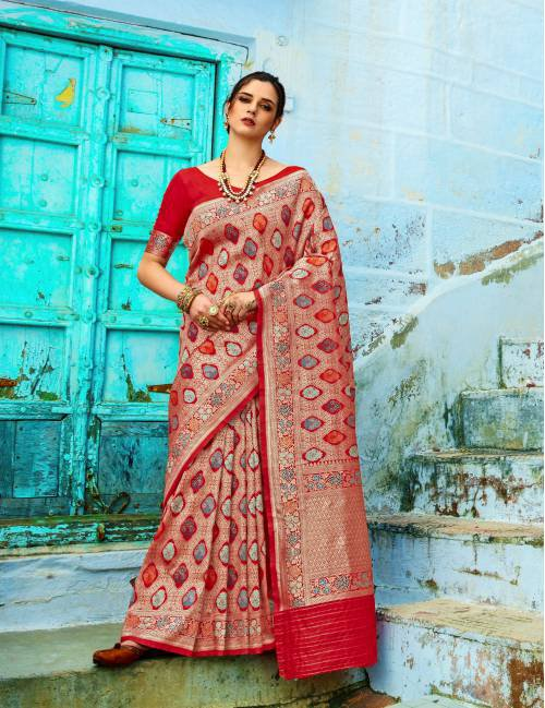 Red Silk Blend Woven Banarasi Saree With Unstitched Blouse Piece