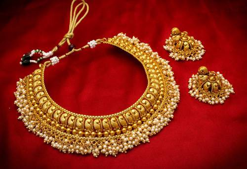 Craftsvilla Gold Plated Alloy Metal Pearl Embellished Necklace Set