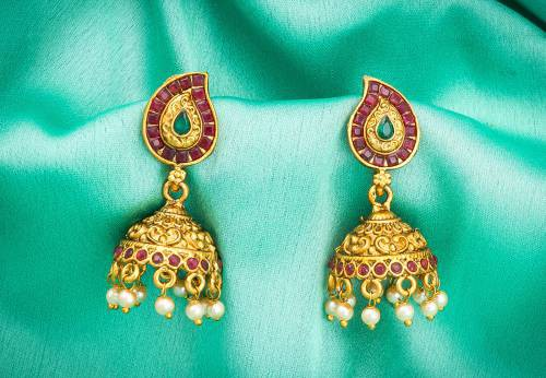 Craftsvilla Gold Plated Alloy Metal Fashion Glass Beads Jhumka Earrings