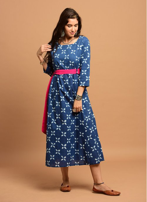 Blue And White Printed Kurti With Pink Belt