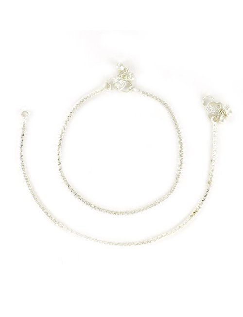 Craftsvilla Alloy Metal Silver Plated Traditional Hand Crafted Anklet