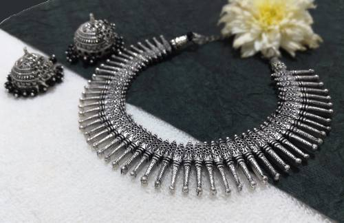 Craftsvilla Silver Plated Brass Beads Hand Crafted Necklace Set
