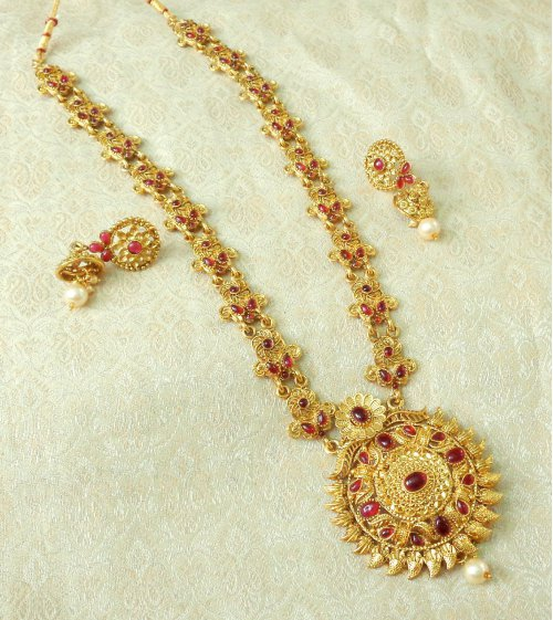 Craftsvilla Yellow Gold Finish Alloy Metal Designer Necklace Set