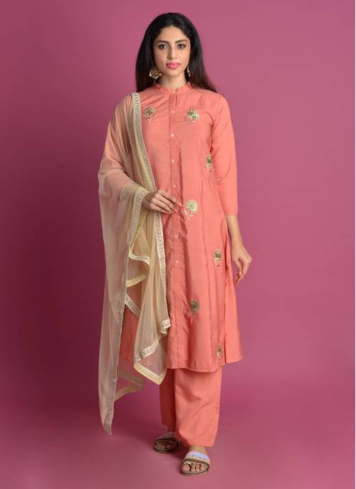 Inaayat Peach Floral Embroidered Kurta With Salwar And Net Dupatta