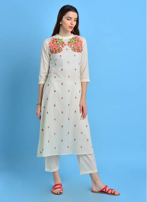 Vintage Bloom - Bright Off White Floral Embroidered Kurta