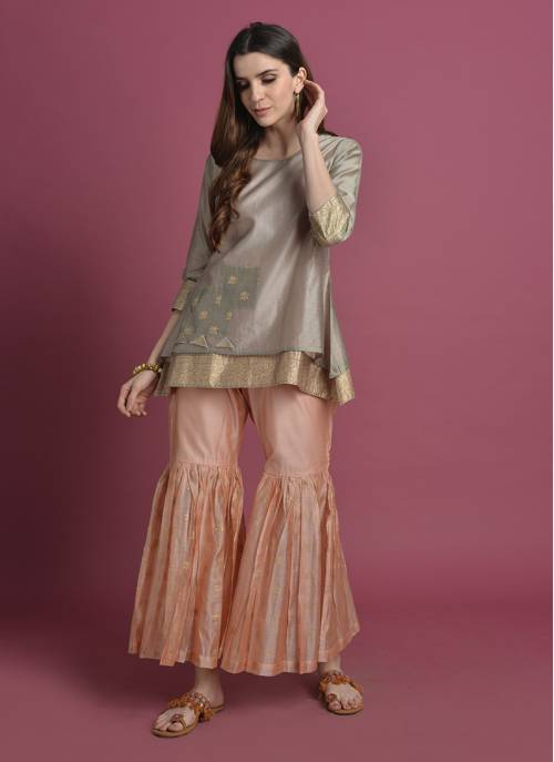 Padma Saras- Light Grey Gold Printed Kurta With Patch Work