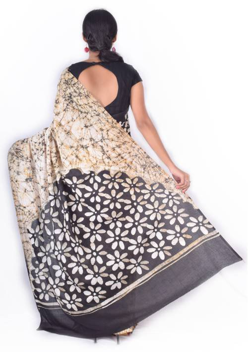 Off White Cotton Designer Printed Saree With Unstitched Blouse Material