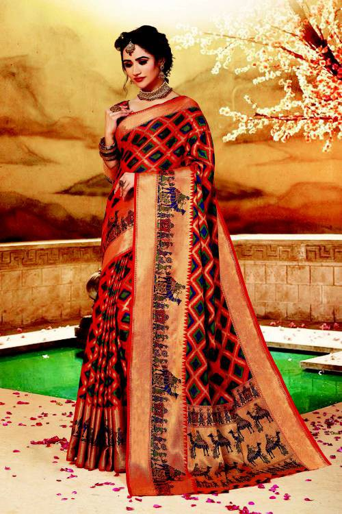 Red Silk Traditional Hand Crafted Saree With Unstitched Blouse Material