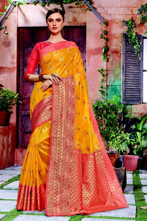 Yellow Banarasi Silk Traditional Woven Saree With Unstitched Blouse Material