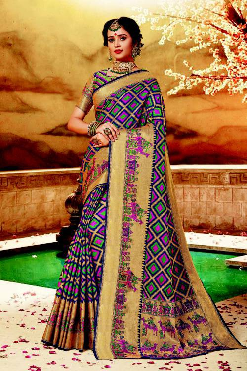 Beige Silk Traditional Hand Crafted Saree With Unstitched Blouse Material