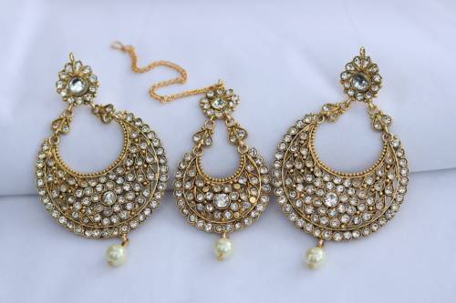 Gold Plated Alloy Metal Pearl Embellished Maang Tikka With Earrings