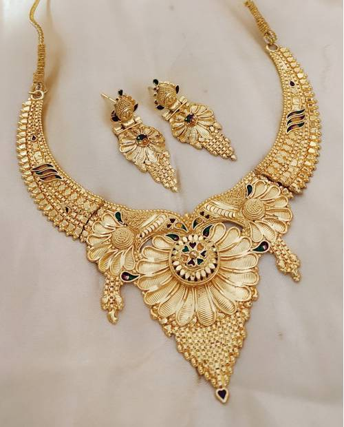 Halltree Gold Plated Necklace Set With Earrings